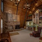 Spacious Classic Ski Home in Ice Box Estates